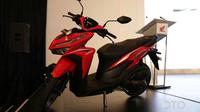 Honda Vario ditantang oleh Yamaha FreeGo S dengan harga yang sangat bersaing. (Oto.com)