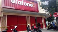 Kawanan Maling Gondol Ratusan Smartphone Gerai Baru Erafone Garut  (Liputan6.com/jayadi supriadin)
