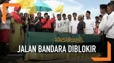 Warga Tangerang memblokir jalan Parimeter Utara yang merupakan akses menuju Bandara Soekarno-Hatta. Ada Apa?