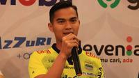 Dhika Bayangkara saat diresmikan menjadi pemain Persib Bandung. (Bola.com/Erwin Snaz)