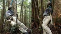 Hutan Aokigahara adalah tempat bunuh diri paling populer di Jepang dan sekaligus tempat yang sangat menakutkan bagi para wisatawan yang tertarik dengan dunia supranatural.