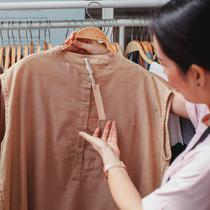 Ilustrasi Membeli Pakaian Credit: pexels.com/Sam