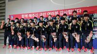 Timnas Korea Selatan U-23 saat tiba di Bandara Incheon dari Jakarta, Senin (3/9/2018). (Bola.com/Dok. KFA)
