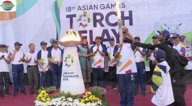 Obor api Asian Games 2018 diinapkan di Balaikota Jakarta sebelum dikirab menuju Jakarta Barat dan Jakarta Pusat.