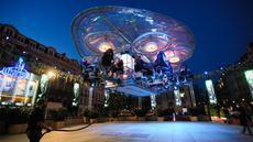 Restoran Dinner in the Sky di Brussel, Belgia (18/9/2020). Tahun ini, Restoran Dinner in the Sky menyiapkan delapan meja dengan kapasitas total 32 kursi pada ketinggian 50 meter di atas permukaan tanah, yang memungkinkan pelanggan merasakan sensasi unik bersantap di udara. (Xinhua/Zheng Huansong)