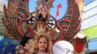 Masyarakat lokal Adelaide hingga pejabat-pejabat Australia, terkagum-kagum dengan seni budaya Indonesia.