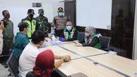 Tim Gugus Tugas Percepatan Penanganan (GTPP) Covid-19 Kota Bandung berkoordinasi dengan pabrik garmen PT Masterindo untuk menutup sementara industrinya karena ada salah satu pegawai yang terpapar Covid-19. (Foto: Humas Kota Bandung)