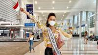 Puteri Indonesia 2020 Ayu Maulida saat tiba di Florida, Amerika Serikat untuk mengikuti Miss Universe 2020. (dok. Instagram @ayumaulida97/https://www.instagram.com/p/COi_0ZCB7Eh/)