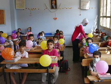 FOTO: Siswa Suriah Mulai Kembali Bersekolah