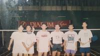 Foto lawas pelatih bulutangkis Guatemala asal Indonesia, Muamar Qadafi (dua dari kanan). (Bola.com/Vincentius Atmaja)