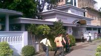 Berkat perjuangan seorang pria asal Kalimantan Timur, Kalend Osen, tidak kurang 160 tempat kursus Bahasa Inggris terdapat di Kediri.