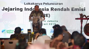 Kepala Bappenas Bambang Brodjonegoro memberi paparan dalam peluncuran Jejaring Indonesia Rendah Emisi (JIRE) di Jakarta, Selasa (19/2). Bappenas telah memasukkan program pembangunan rendah karbon dalam penyusunan RPJMN 2020-2024. (Liputan6.com/HO/Mic)