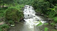 River Tubing Ngabuburit Ekstrem di Lereng Gunung Argopuro (Dian Kurniawan/Liputan6.com)