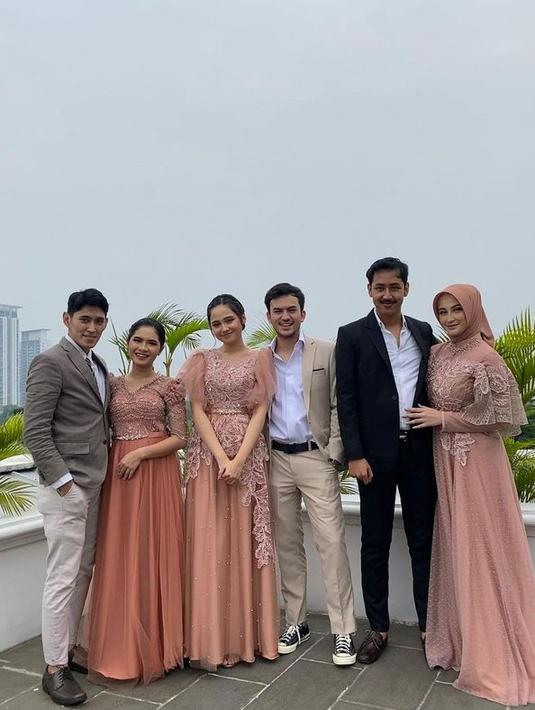 Salshadilla Juwita menjadi bagian dari momen spesial Lesti dan Rizky Billar sebagai bridesmaid. (Instagram @salshaindradjaja)