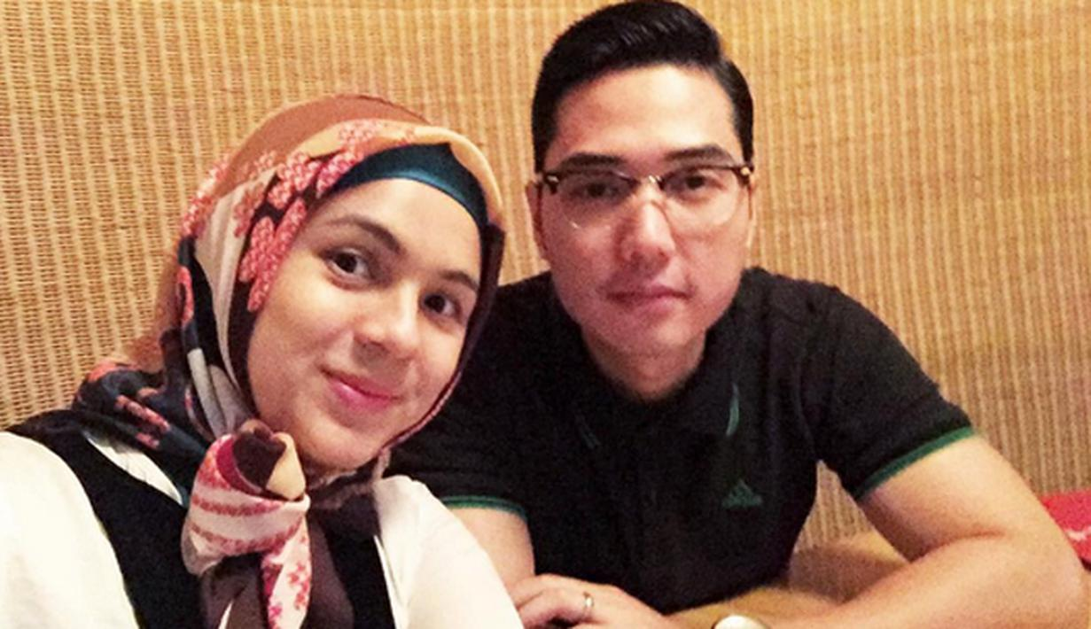 Berkah Ramadan tahun ini dirasakan oleh Nycta Gina. Istri dari Rizky Kinos untuk menutup auratnya. Lewat foto yang diunggah pada 1 Juli silam. Dengan mengenakan Jilbab dan berharap istiqomah.  (Instagram/missnyctagina)