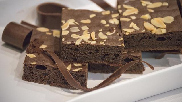 Cara Membuat Kue Brownies Panggang Sederhana Enak Dan