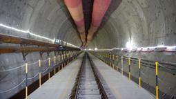 Lokasi pembangunan Terowongan No. 1 dari proyek kereta cepat Jakarta-Bandung, 28 Juni 2020. Jalur ini dirancang untuk dapat dilalui kereta hingga kecepatan 350 kilometer per jam. (Xinhua/Du Yu)