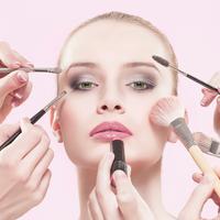 Berkat makeup, wajah cewek-cewek ini jadi lebih better. (Via: Beautylish.com)