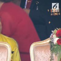 Lihat di sini bagaimana tampilan Megawati Soekarnoputri, BJ Habibie, dan Jusuf Kalla saat menghadiri upacara HUT RI ke 73 di Istana Negara.