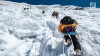 Ilustrasi Foto Pendaki dan Mendaki Gunung (iStockphoto)