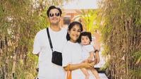 Momen Liburan Keluarga Kecil Tarra Budiman (sumber: instagram/@tarrabudiman)