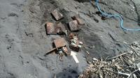 Ribuan butir peluru misterius di Bitung (Liputan6.com / Yoseph Ikanubun)