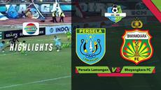 Kiper Bhayangkara FC, Awan Setho berhasil melakukan empat penyelamatan secara beruntun kala menghadapi Persela Lamongan dalam lanjutan Gojek LIga 1 2018 bersama Bukalapak, Minggu (16/9/2018).