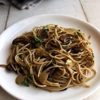 Pasta Bawang Putih Jamur, Makan Siang Wajib Coba di Akhir Pekan