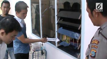 Sebuah rumah di Pematang Siantar dibobol maling saat pemiliknya tak ada di rumah.