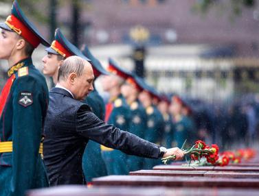 20170622-Putin Pimpin Upacara Peringatan Invasi Nazi-AP