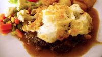 Bila Anda berkunjung ke Semarang, pastikan untuk mampir ke restoran bergaya tempo dulu yang satu ini.