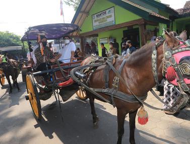 Naik Andong, Sandiaga Uno Kampanyekan Anugerah Desa Wisata Indonesia 2021