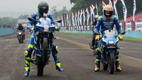 Pebalap Ecstar, Andrea Iannone dan Alex Rins, menjajal menggeber motor di Sirkuit Sentul, Bogor, Sabtu (3/2/2018). (Bola.com/[12:59 PM, 2/3/2018] Tyo Bola: Asprilla Dwi Adha)