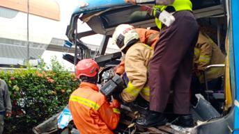 Lima Korban Tabrakan Bus TransjakartaMendapatkan Perawatan Unlimited dari BPJS Ketenagakerjaan