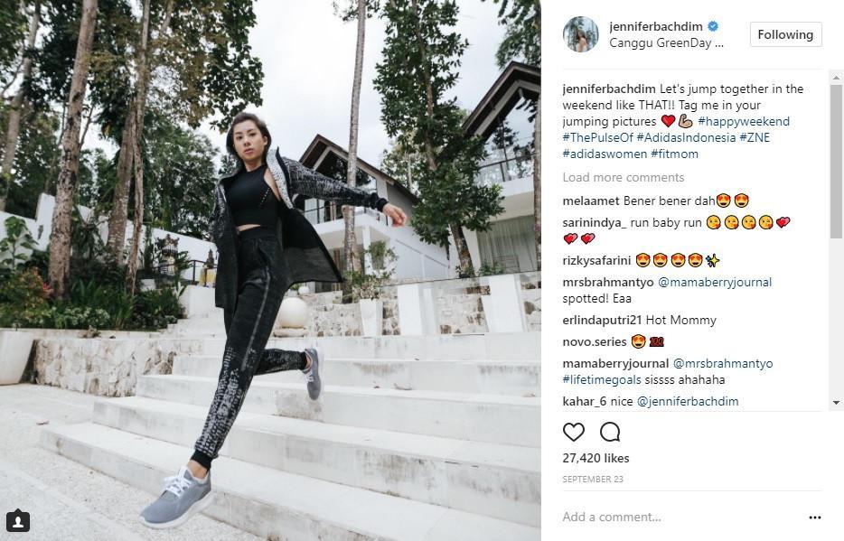 Berolahraga sudah menjadi bagian dari gaya hidup. Agar tak membosankan, simak inspirasi gaya stylish saat mereka berolahraga berikut ini. (Foto: Instagram/ JenniferBachdim)