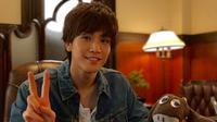 Takanori Iwata, pemeran utama di Hotel on the Brink mengungkapkan perasaannya saat berakting sebagai tamu aneh di sebuah hotel (pinimg)