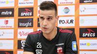 Stoper Madura United, Ante Bakmaz. (Bola.com/Aditya Wany)