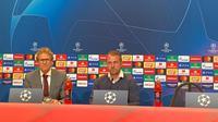 Hansi Flick bersiap-siap memberikan keterangan kepada pers, Kamis (7/11/2019). Flick adalah pelatih sementara Bayern Munchen, menggantikan Niko Kovac yang dipecat. (Dok. Twitter/FCBayernEN)