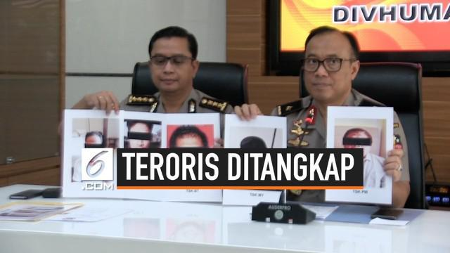 Densus 88 menangkap lima orang terduga teroris yang terafiliasi dengan jaringan Jemaah Islamiyah. Salah satu yang ditangkap merupakan Amir JI untuk Indonesia.