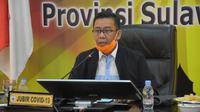 Juru Bicara Gugus Tugas Penaganan Covid-19 Sulawesi Barat saat mengumumkan pasien positif Covid-19