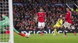 Ronaldo mendapat banyak pujian karena dia mencetak gol penentu kemenangan United. Tapi, jika bukan karena David de Gea yang berada di bawah mistar, United mungkin kebobolan lebih banyak gol. (AP/Dave Thompson)