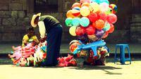 Penjual Mainan Anak-anak (Sumber: Pexels)