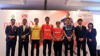 Ketua Umum PBSI Wiranto dan sejumlah pebulu tangkis Indonesia dan perwakilan pihak Daihatsu pada acara jumpa pers Indonesia Masters 2019 di Jakarta, Senin (10/12/2018). (foto: istimewa)