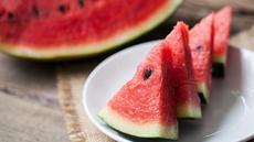 Usir Sakit Kepala dengan Semangka