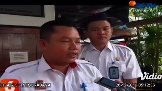 Rutan Klas I Surabaya memberikan remisi Natal untuk 24 warga binaan. Pemberian remisi tersebut digelar secara simbolis di Gereja Efesus yang berada di dalam Rutan Klas I Surabaya bersamaan dengan misa Natal.