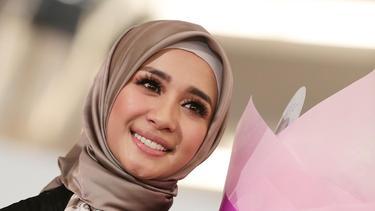 8 Artis Indonesia Yang Dianugerahi Bibir Seksi News Entertainment Fimela Com