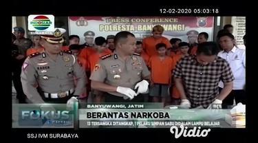 Pelaku peredaran narkoba yang melibatkan jaringan Lapas berhasil diungkap aparat Polres Jombang, Jawa Timur. Polisi menyita ribuan barang bukti pil dobel L dan puluhan gram sabu.
