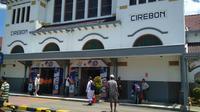 Daops 3 Cirebon menyatakan rata-rata tiket ketersediaan tiket kereta api Lebaran di masih tersedia 50 persen. Foto : (Liputan6.com / Panji Prayitno)