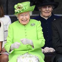Meghan Markle bisa dibilang masih baru menjadi anggota keluarga kerajaan Inggris. Namun hubungannya dengan Ratu Elizabeth II sangatlah erat. (coolstyle.ba)