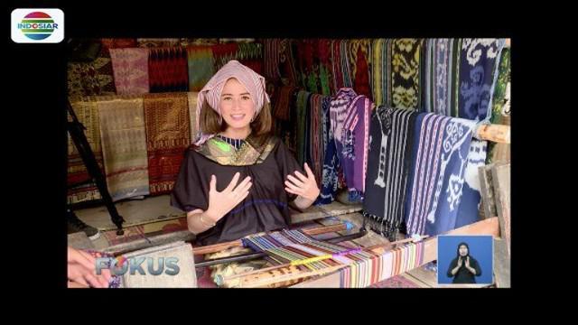 Ada salah satu wilayah di Lombok Tengah yang aman dan memiliki pesona cantik nan unik, bernama Desa Sade.